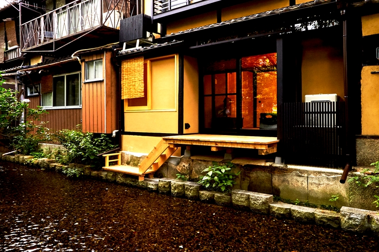 ゲストハウス鈴 四条高瀬川邸