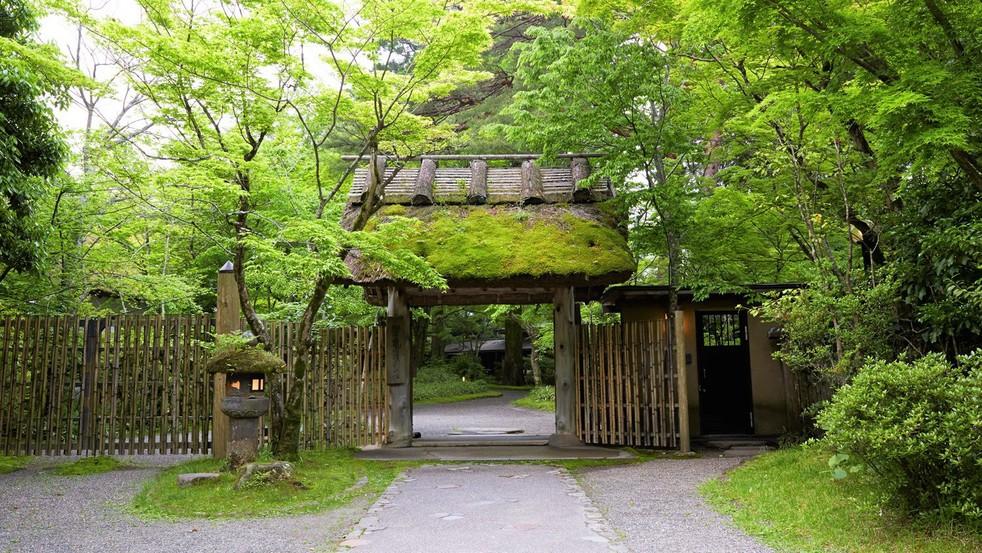 亀の井別荘 image