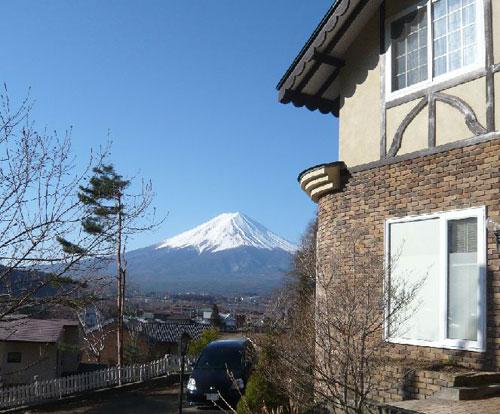 富士山と河口湖を望む高台の宿 クレッシェンド image